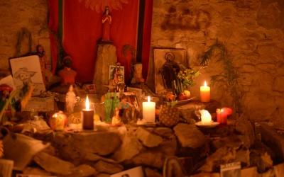 Campo in Italia di sciamanesimo con la medium Jessica della Montagna Sacra  di Maria Lionza del Venezuela
